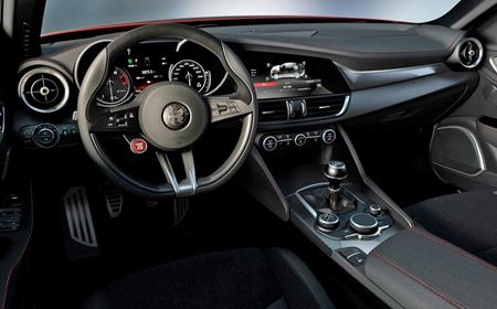 Alfa Romeo Giulia 2.2 JTDM-2 Tecnica Automatic